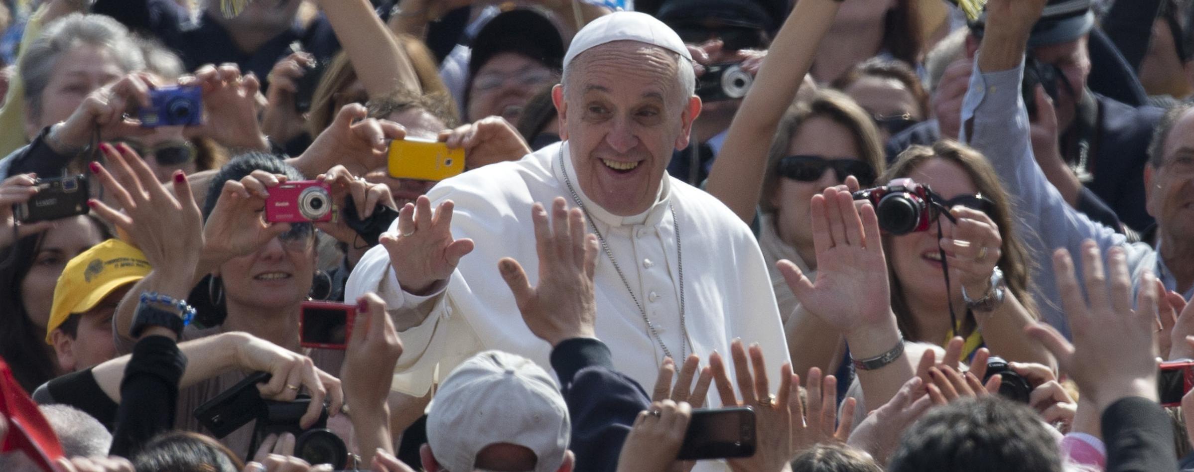 """Papa Francesco """"Pregate il S.Rosario: porta pace nel mondo, nella Chiesa, in famiglia"""""""
