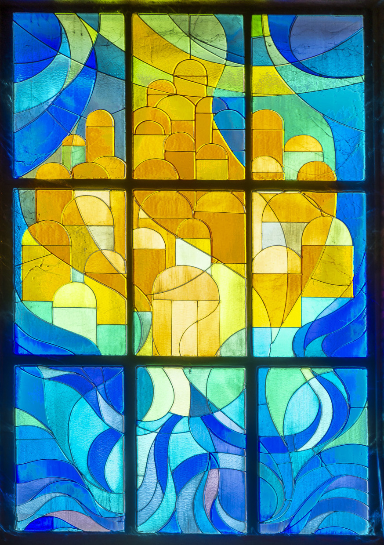 Una spiegazione della vetrata all'ingresso della nostra Chiesa
